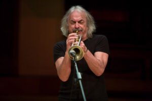 Enrico Rava (foto di Christopher Tribble / ECM Records)