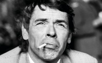 Jacques Brel (foto di Gijsbert Hanekroot/Redferns)