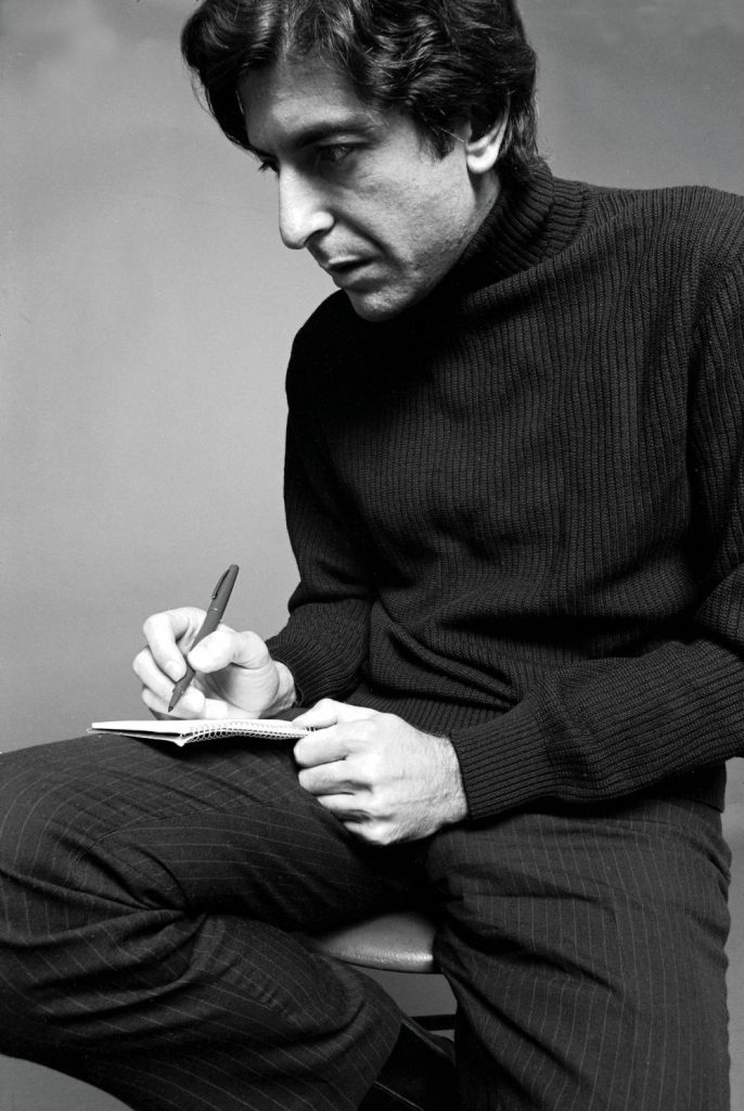 Canadian poet, novelist, and singer-songwriter Leonard Cohen, August, 1967. (Photo by Jack Robinson/Getty Images)