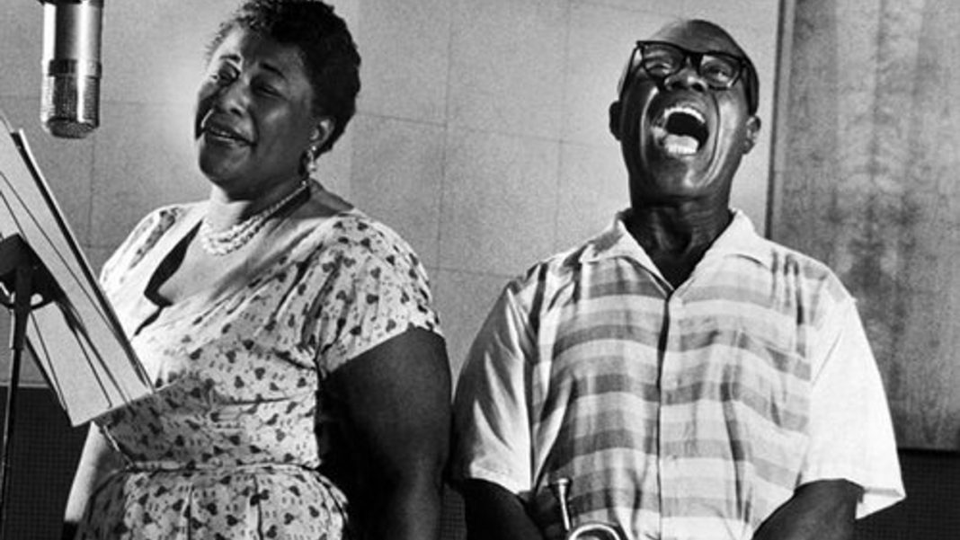 Louis Armstrong e Ella Fitzgerald