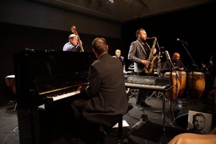 Timo Lassy al festival We Jazz 2018 (foto di Vincenzo Fugaldi)