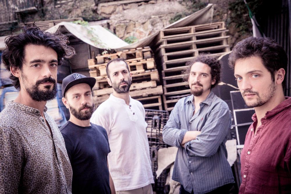 Yellow Squeeds, da sinistra: Francesco Diodati, Enrico Morello, Francesco Lento, Glauco Benedetti, Enrico Zanisi. (foto di Giacomo Citro)